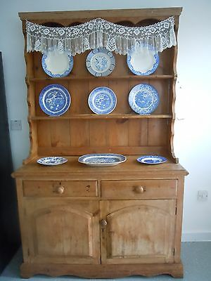 A Beautiful Antique Rustic Welsh Dresser.