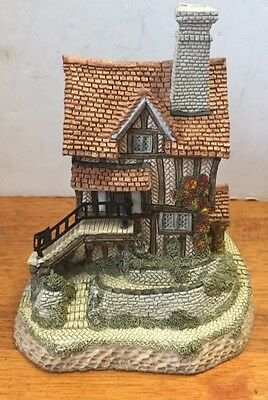 1987 David Winter Cottages Lace Makers Cottage  figurine