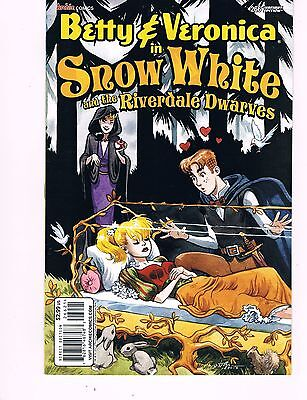 Betty & Veronica #266 ( 2013 Snow White And The Riverdale Dwarves Variant Cover)