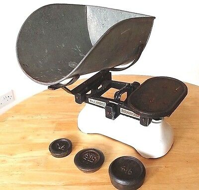 Vintage Avery Greengrocers Weighing Scales & Weights Decorative Item