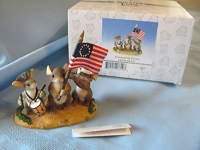 RET Charming Tails FREEDOM ON PARADE Patriotic Mouse Figure FITZ & FLOYD 98/337