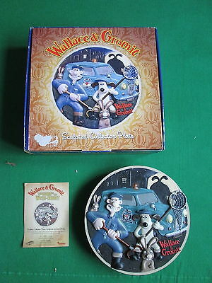 Wallace & Gromit Curse Of The Were-Rabbit - Sculpted Collectors Plate - Boxed