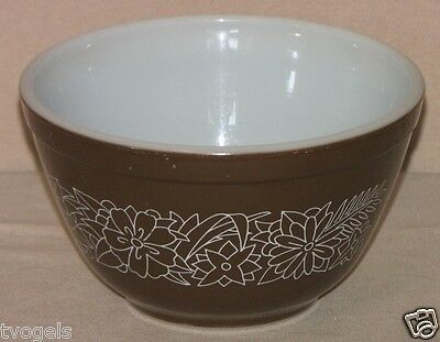 Vintage Pyrex White Floral Brown Woodland Mixing Nesting Bowl #401
