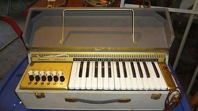 Vintage portable Companion keyboard organ 211 ORCOA NY made in Italy