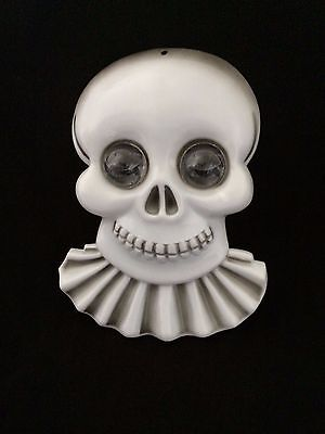 Vintage Skull  Popping out of BUBBLE WATER EYES Animated Halloween Prop Skeleton