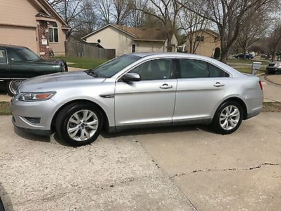 2010 Ford Taurus SEL 2010 Ford Taurus SEL Bluetooth, leather, seat warmers and more!
