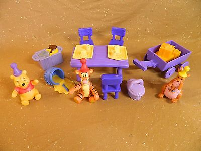 Winnie the Pooh Birthday Party playset and figures Tigger Kanga 14 pieces in all
