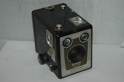 Kodak Brownie Six-20 Model.d. With Flash Contacts Box  Camera