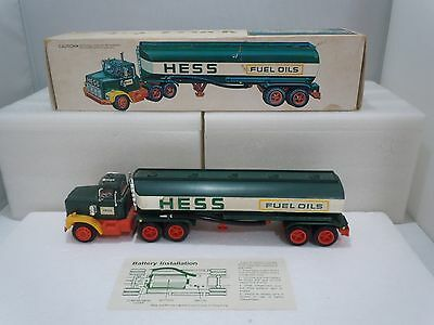 TOY TRUCK FUEL OILS 1977 Family Vintage Complete w/ Original Box Tested Hess