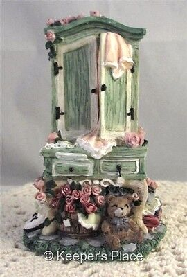 Ivy & Innocence TIMELESS TREASURES 05064 Victorian Armoire Figurine 1997 Mint
