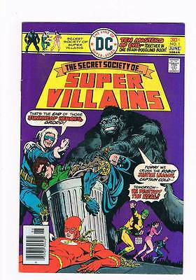 Secret Society of Super-Villains # 1 Attend....or Die ! grade - 8.5 scarce !!