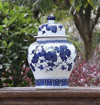 Chinese old hand-carved porcelain Blue and White Watermelon pattern pot