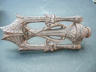 Cast iron Arts & Crafts era door knocker