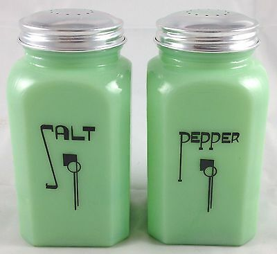 Jadite Green Glass Square Range Art Deco Hazel Atlas Salt & Pepper Shakers Set