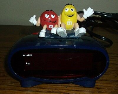 Red & Yellow Characters M&M's Digital Alarm Clock Mars M & M Candy        LQQK