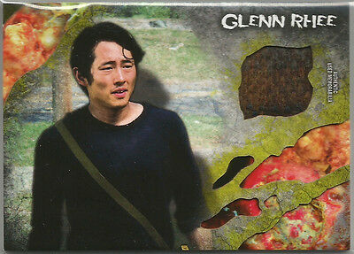 Walking Dead Survival Box ~ COSTUME/RELIC CARD Glenn Rhee shirt Infected #49/99