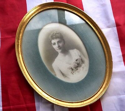 BEAUTIFUL Young Woman BRIDAL PHOTO Portrait Gold Oval Wood Frame c 1915 Velvet