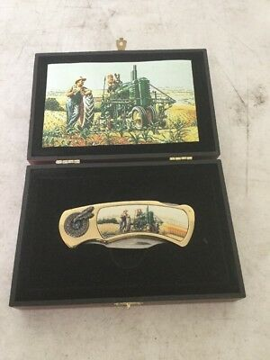John Deere Lock Blade Knife in Display Box