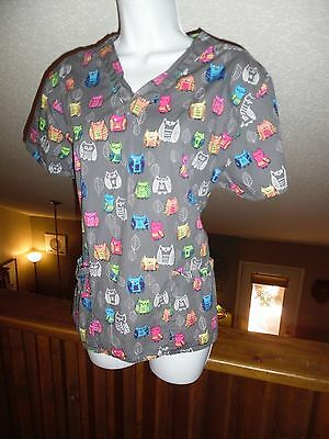 WonderWink Scrub Top - Women's Size Medium - CUTE!