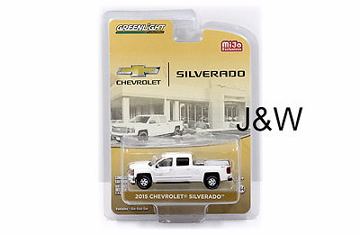 Greenlight Chevrolet Silverado 2015 with Tool Box and Hitch White 51109 A 1/64