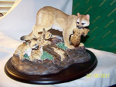 Mountain Lion With Cubs Living Stone Beautiful Detail New In Box