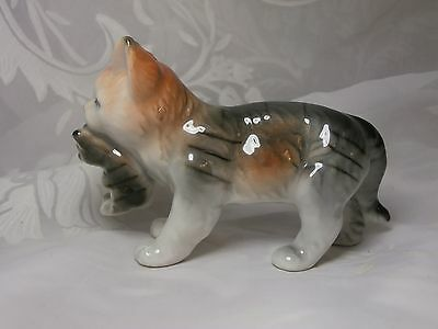 Cute Vintage Porcelain Mother Cat Carrying Kitten Figurine Unmarked