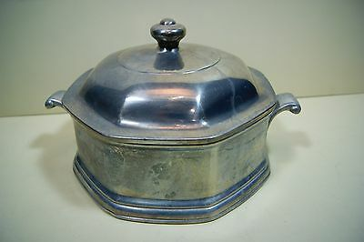 2.5 Quart Round Covered Casserole in Mulberry Hill Wilton Armetale