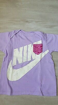 tee hirt fille Nike taille 18 a 24 mois