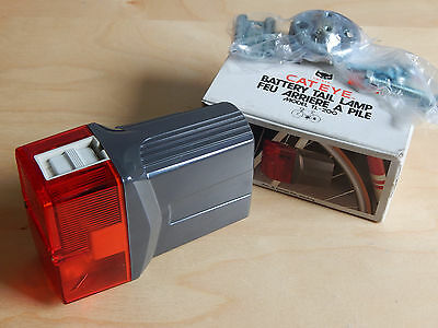New Cat Eye TL-200 Retro Bicycle Rear Light Red Complete NOS 80s Bike Taillight