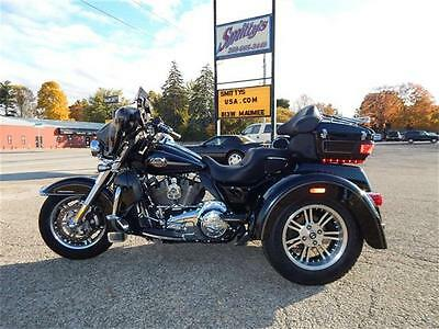 2012 Harley-Davidson Touring  2012 Harley-Davidson Touring Trike FLHTCUTG Reverse Stereo 103 Fuel Injected Wow