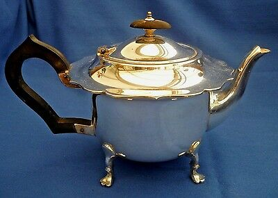Stunning Vintage Silver Plate Footed Tea Pot ~ Delightful Quality ~ 1.5 Pints