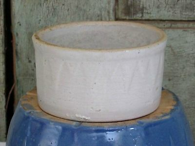 Ruckels White Hall Ill SAWTOOTH Stoneware White Butter Crock 1lb size NICE!!!
