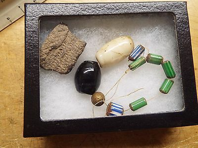 Rare Old  Trade  Beads  Native American Indian  Lot  T-4