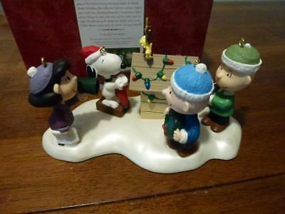 Hallmark 2000 Complete Set Woodstock on Doghouse Snoopy Charlie Brown Linus Lucy