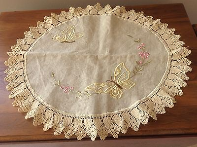 Antique Butterfly Centrepiece, Arts & Crafts Embroidery on Ecru Linen,Picot Lace