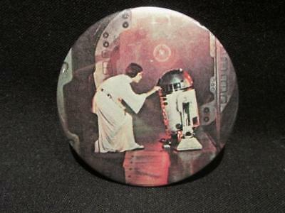 Carrie Fisher as Princess Leia with R2D2 Star Wars Episode IV Pinback