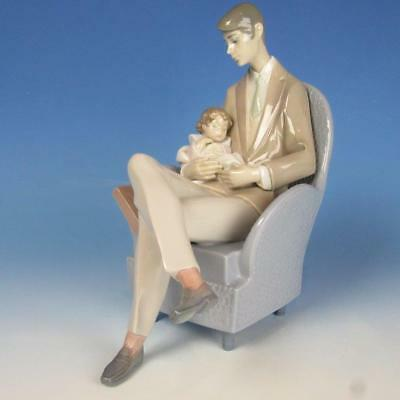 Lladro Porcelain Figure - Daddy Resting in Chair Holding Blessing Baby - #6504