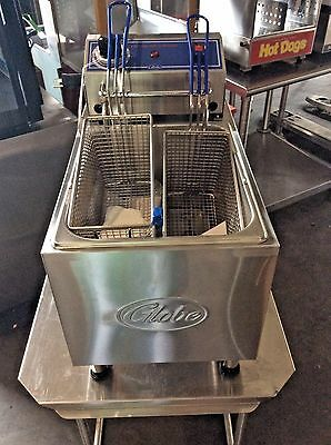 Globe PF16E 16 lb. Electric Countertop Deep Fryer