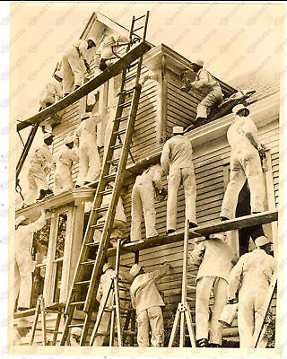 1940 OMAHA (NEB) House painted in four minutes by 110 painters - Photo
