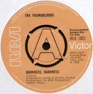 "Youngbloods ~ Darkness Darkness ~ 1969 Uk ""demo"" 7"" Single ~ Rca Victor 1821"