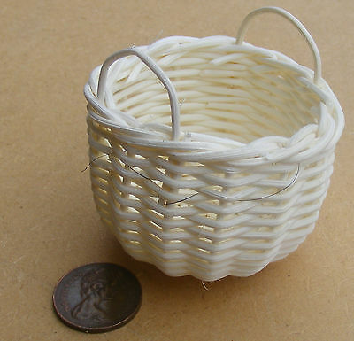 1:12 Scale Hand Made Large Wicker 5.5cm Basket Tumdee Dolls House Miniature Zv
