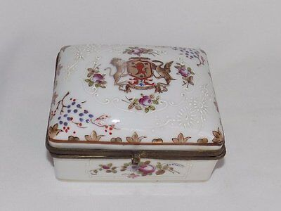 Antique Japanese Hand Painted Moriage Crest Motif Porcelain Trinket Box