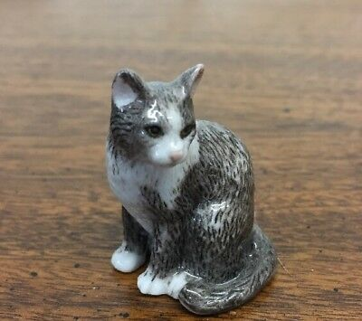 Captivating Cats MBI Miniature Porcelain Danbury Mint Gray With White Figurine