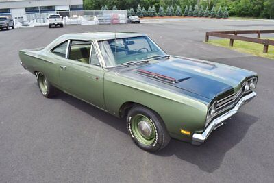 1969 Plymouth Road Runner  1969 Green Low Miles HEMI Sleeper Pristine Classic Mopar Rare