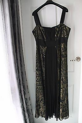 City Chic Ladies Evening Dress Size 22 in Black and Gold