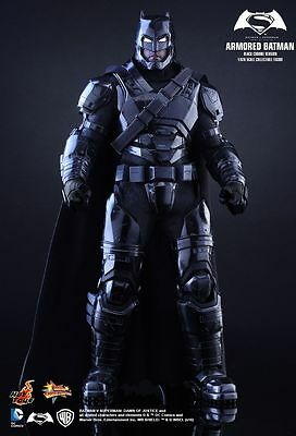 BATMAN v SUPERMAN - Armored Batman Black Chrome 1/6th Scale Figure (Hot Toys)