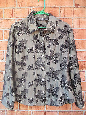 Women's Size 1 Chico's Long Sleeve Button Front Print Top