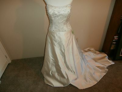 James Clifford Wedding Gown Dress size 10 NEW Ivory Beaded With Train