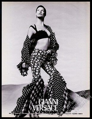 1993 Linda Evangelista photo Gianni Versace fashion vintage print ad