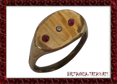 A GENUINE 200-400 A.D ROMAN BRONZE RING WITH 100% REAL x1 DIAMOND & x2 RUBIES.-
